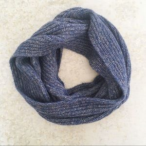 🌿 Banana Republic Infinity Scarf Blue Knit OS